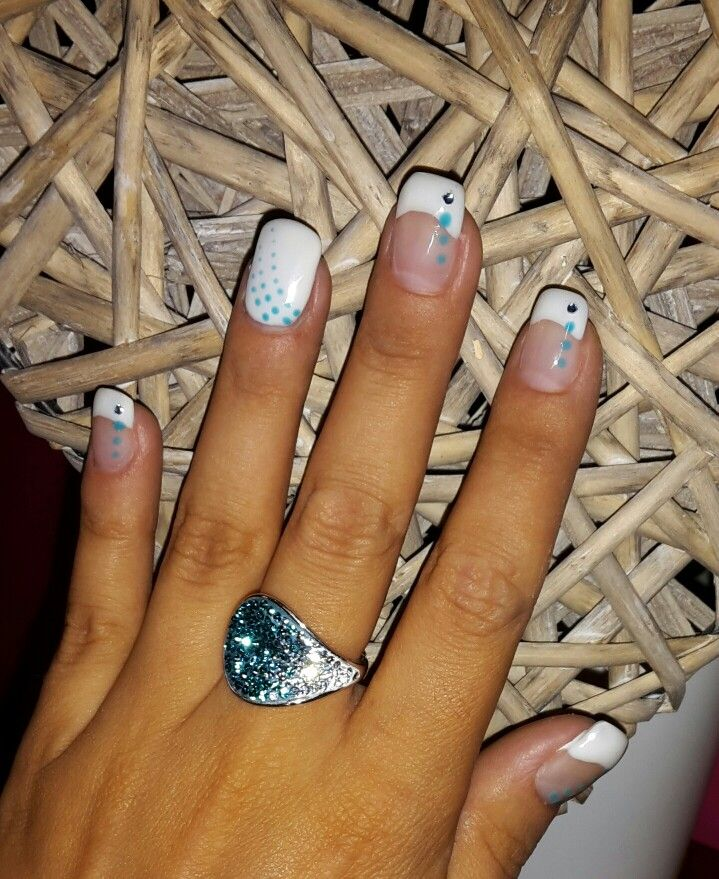 french blanche avec 1 plein deco ongle en gel french french manicure designs nail art et. Black Bedroom Furniture Sets. Home Design Ideas