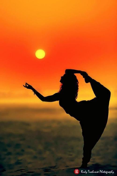 stretch  girl -  yoga