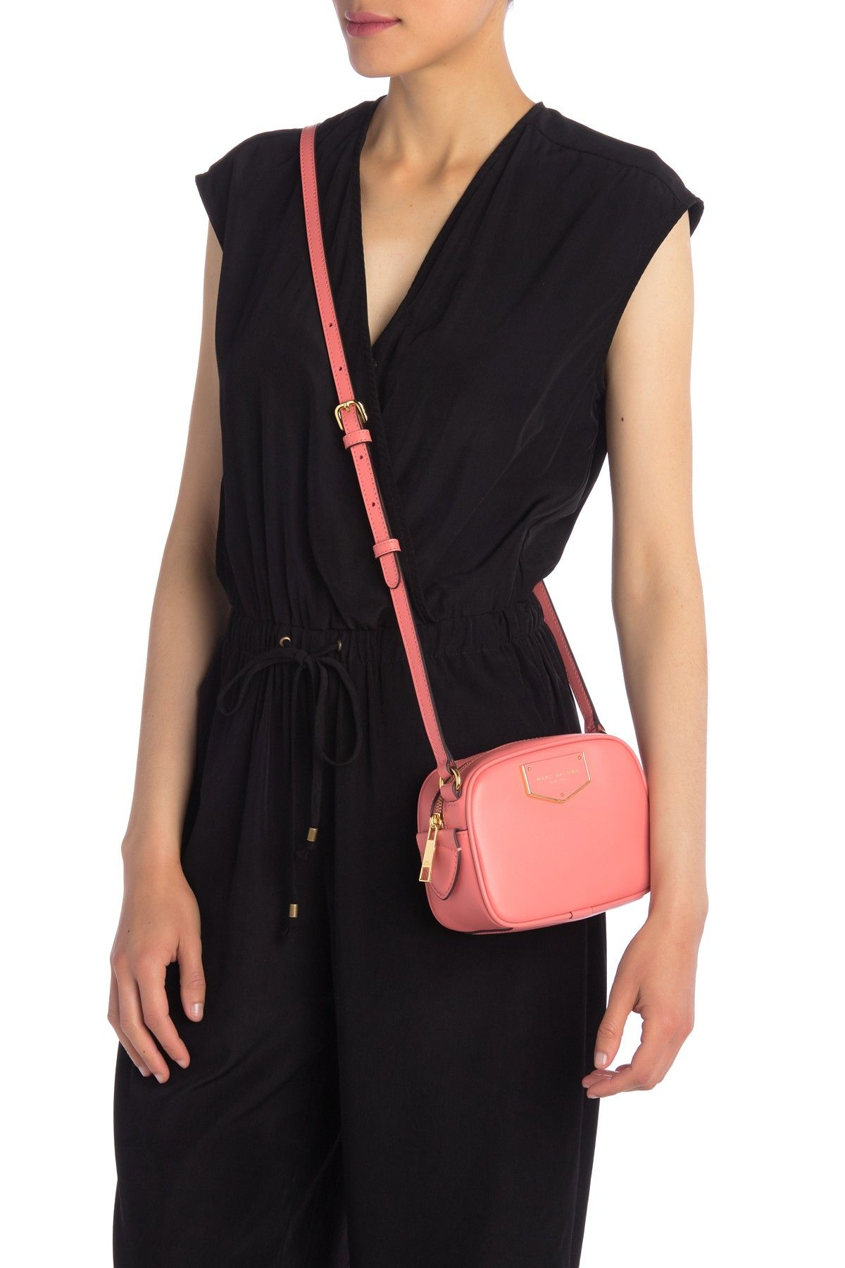 marc jacobs voyager square crossbody