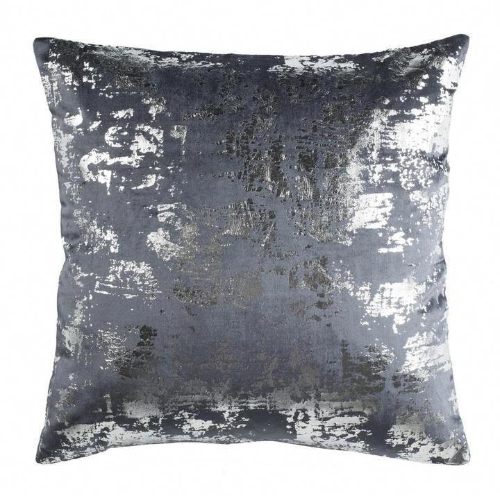 Edmee Metallic Throw Pillow Home Pillow Decor Metallic Livingroomaccessories Metallic Throw Pillow Sparkle Pillows Silver Living Room Decor