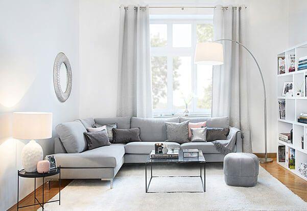 Simple Schlicht und einfach kann manchmal das gewisse etwas sein - wohnzimmer couch gemutlich