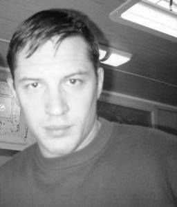 Tom Hardy...this look that you have perfected hurts sooo damn good.