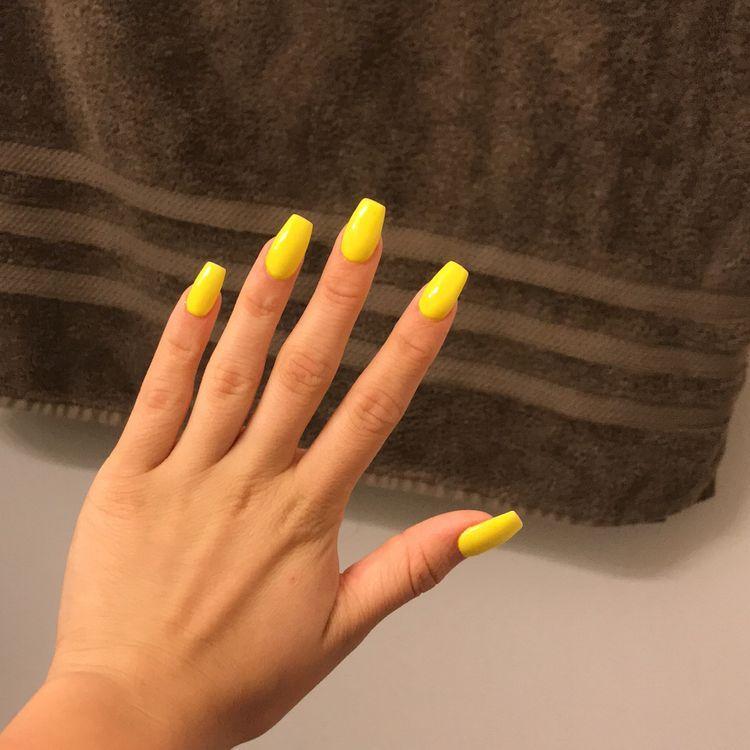 45 Natural Acrylic Coffin Nails Designs For Short And Long Nails Koees Blog Acrylic Nails Yellow Acrylic Nails Coffin Coffin Nails Designs