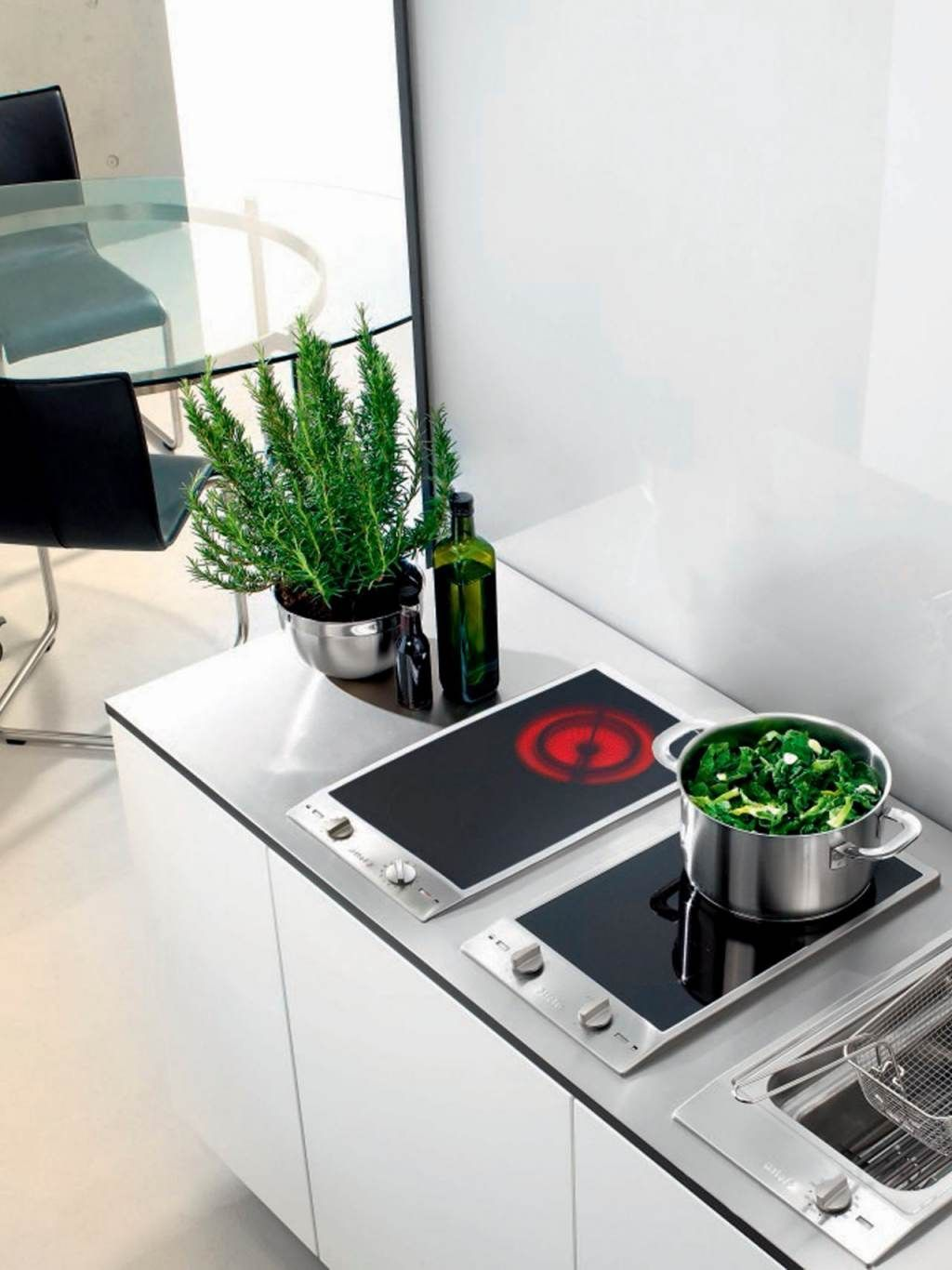 Top Advantages and Disadvantages of Induction Cooktops