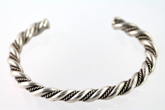 Cool vintage Southwestern style silver plated twisted wire cuff bracelet
