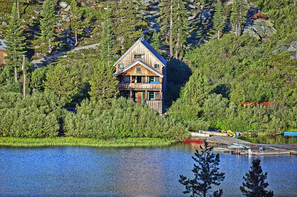 Lodge at Upper Salmon Lake, Plumas County. Photo by Mark Kidder    California travel, Plumas county, Vacation