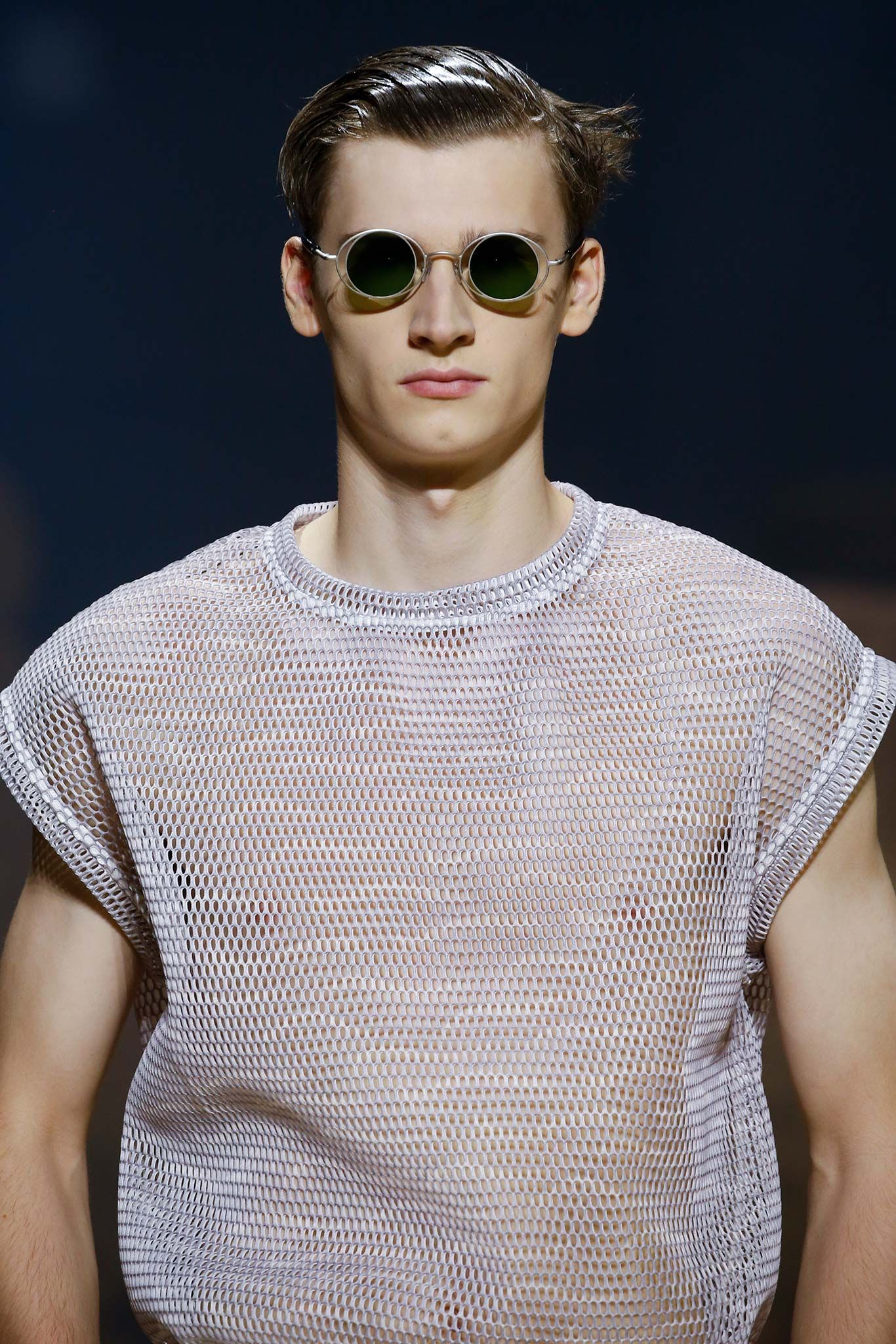Kenzo - Spring 2016 Menswear - Look 82 of 90?url=http://www.style.com/slideshows/fashion-shows/spring-2016-menswear/kenzo/details/82