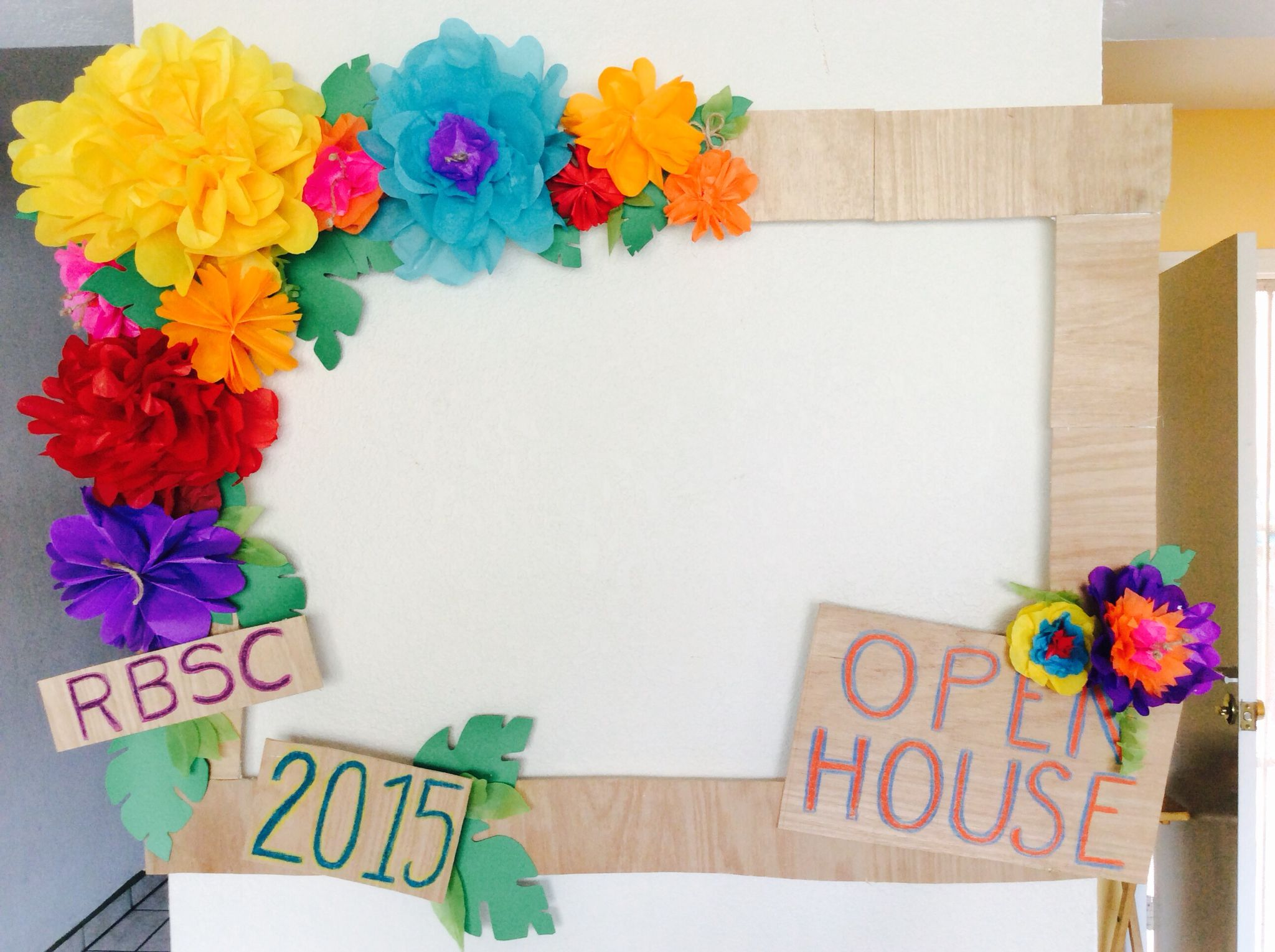 Gigant frame photobooth hawaii party paper flower hand made | just ...