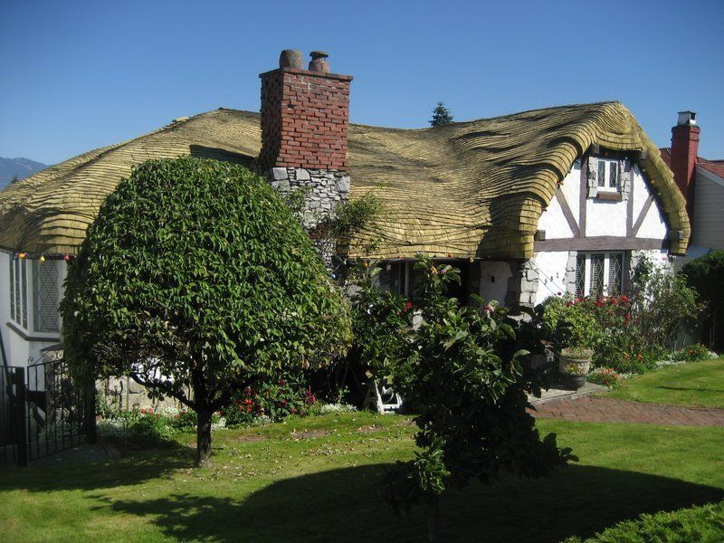 A Slew Of Eccentric Houses All Over The World Hobbit House For