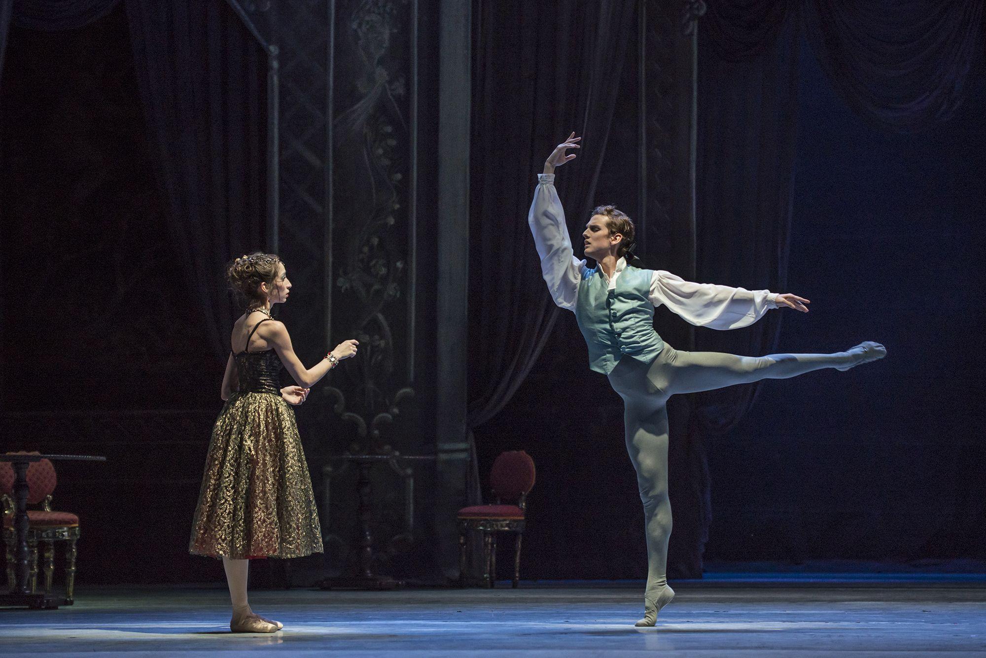 Manon (elenco 2). Ballet de Santiago. Foto de Patricio Melo.