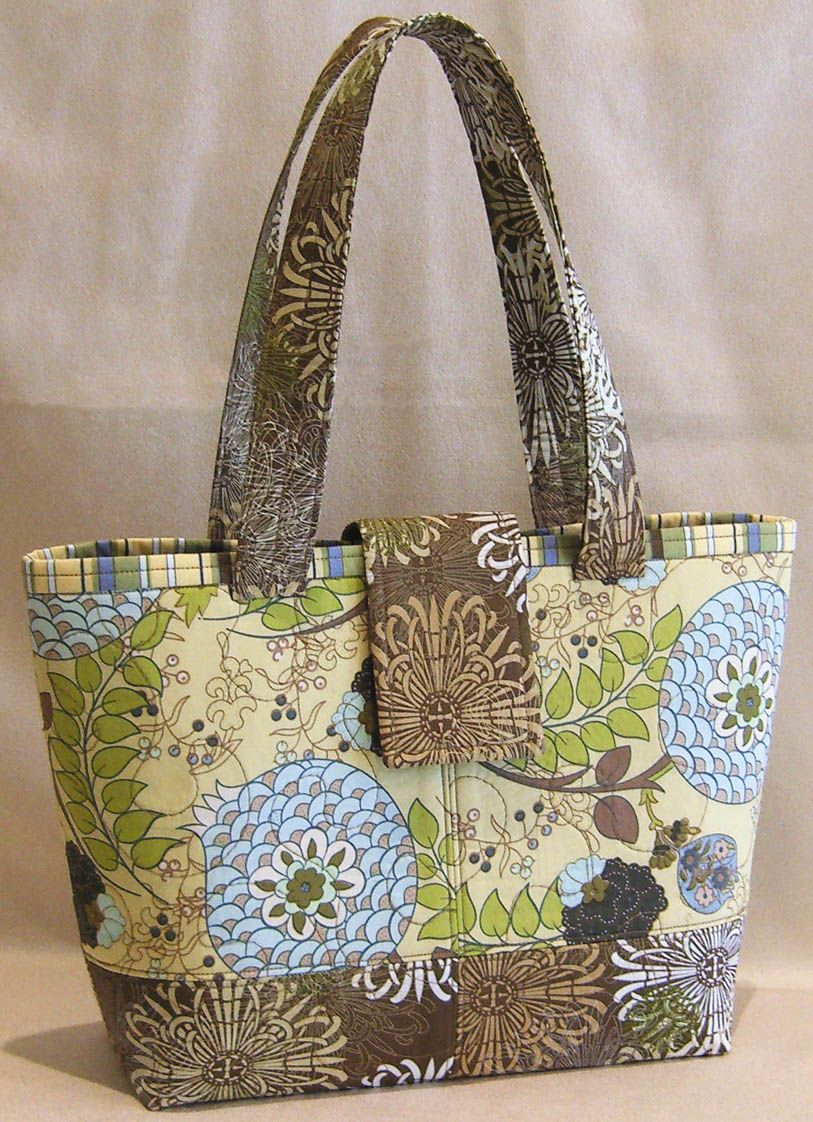 Lazy Girl | Blog » New Pattern: Mini Miranda Bag Debuts at Quilt ... : quilted bags - Adamdwight.com