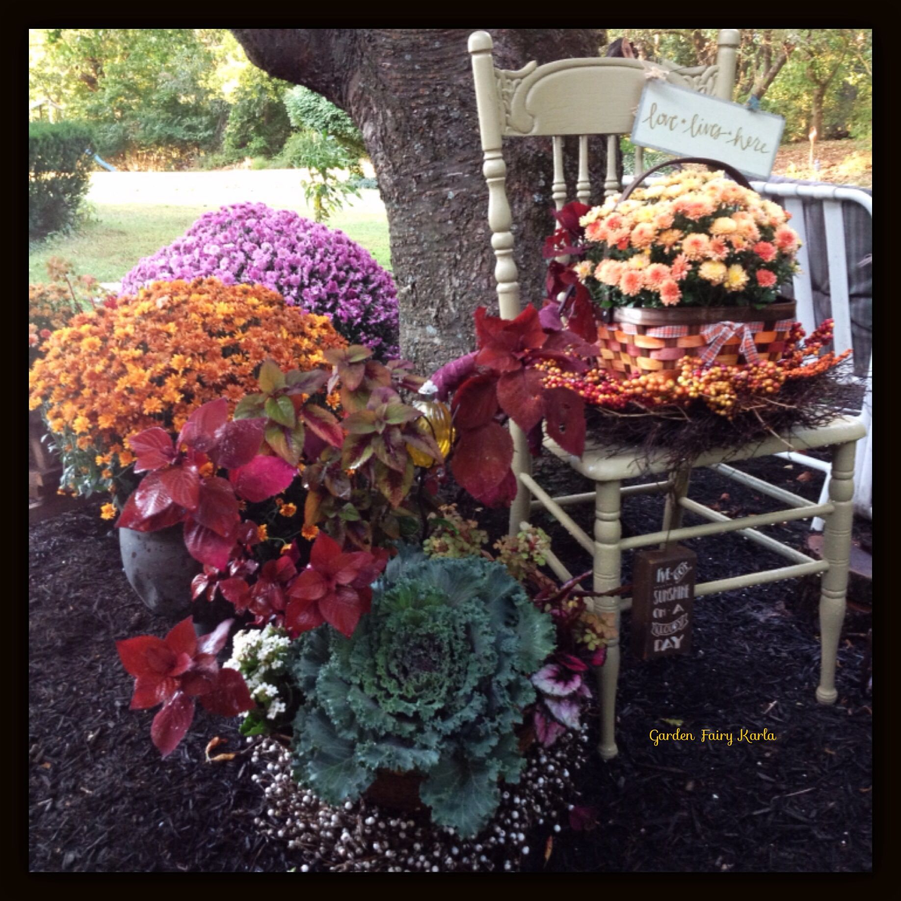 Stunning COLORful, Creative And Eye Catching Fall Display
