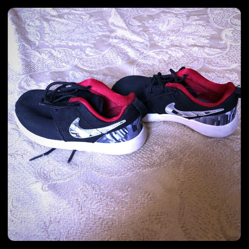 Nike Children S Boys Shoes Sz 10 5 Children S Nike Boys Shoes