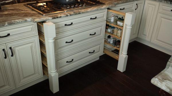 Best Charleston White Antique Kitchen Gallery The 400 x 300