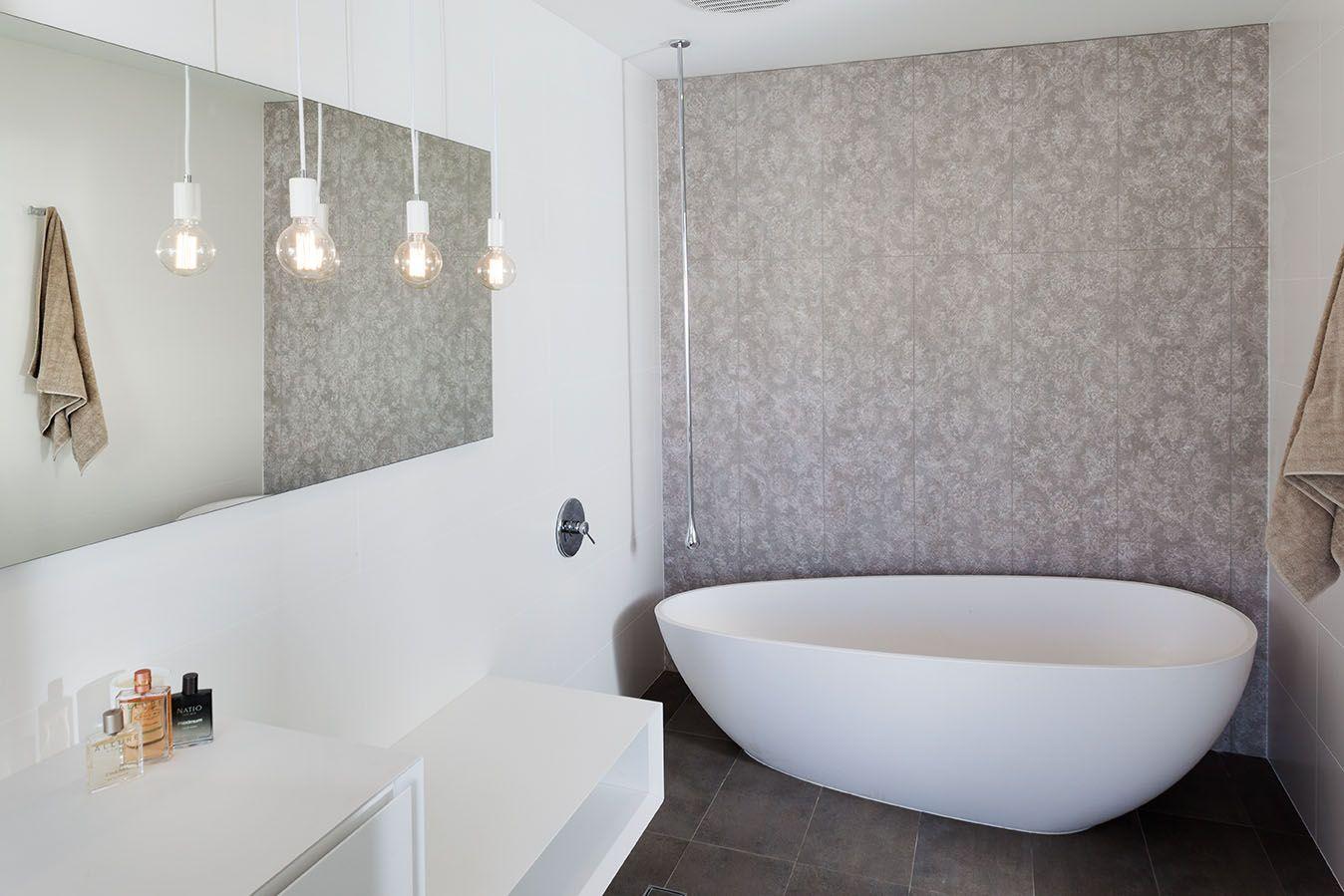 Ceramo's Florencia Natural Feature Tile & Denver Grey Floor Tile | Client Home Specified by Retreat Design