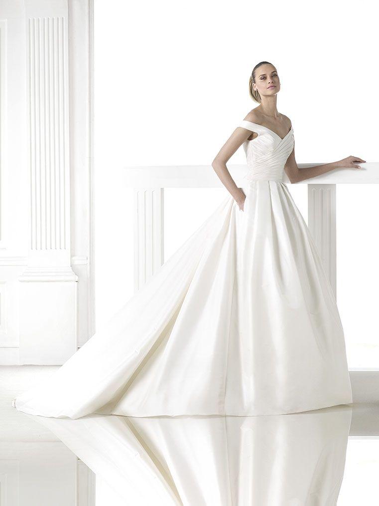 Boesckens in Erkelenz führt Pronovias Brautkleider | Bridal dresses ...