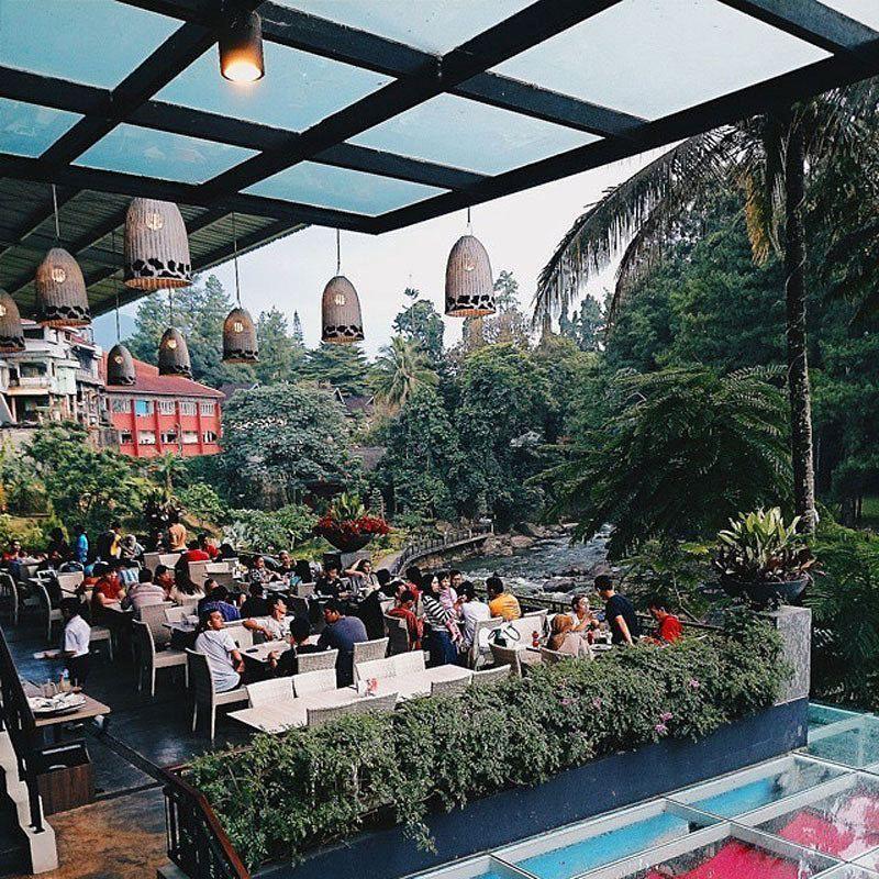 Sky Garden Rooftop Cafe Jakarta