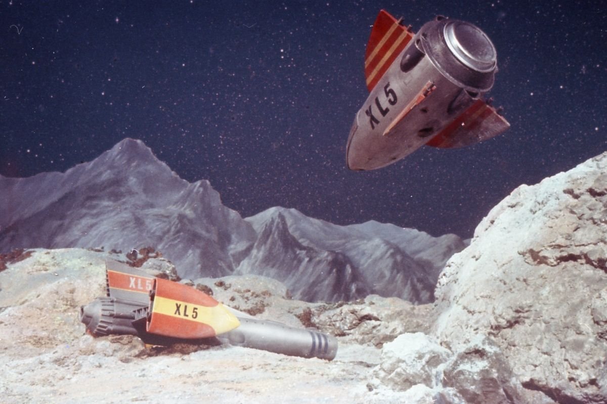 Image From The 1960 S Gerry Anderson Television Series Fireball Xl5 Gerry Anderson Gerry Anderson Vehicles Anderson
