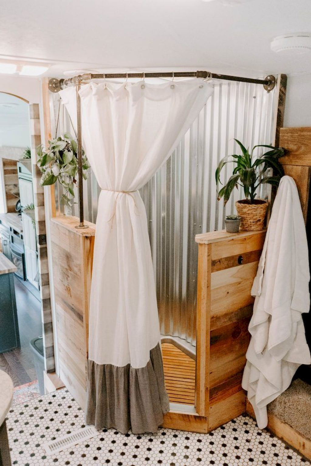 60 Genius Tiny House Bathroom Shower Design Ideas #tinyhousebathroom