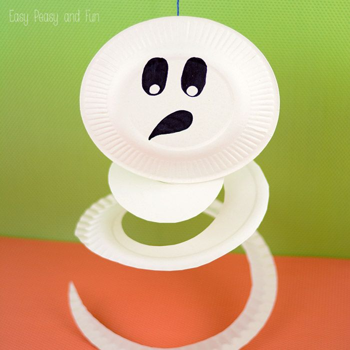 This swirly paper plate ghost is fun to make and can easily double up as a Halloween decoration as it will swirl in the air! We love paper plate crafts ... & Paper Plate Ghost - Paper Plate Crafts for Kids | Paper plate crafts ...