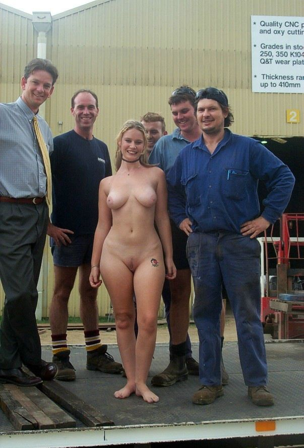 Smiling Fully Naked Woman Surrounded By Clothed Men -5115