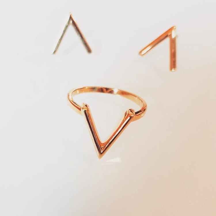 Ethically handcrafted pure sterling silver ring with matching earrings subtly reflecting your commitment to #Veganism with a 'V'. Ethical Jewelry - Vegan Fashion - Sustainable Fashion - Vegan Gift Ideas