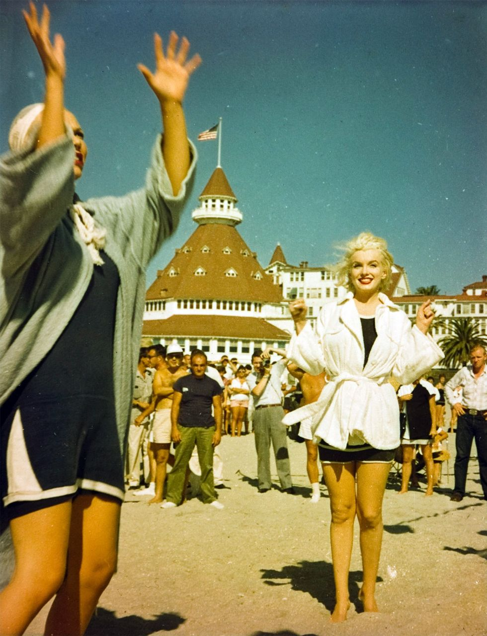 "Marilyn & Hotel Del Coronado Filming "" Hot"