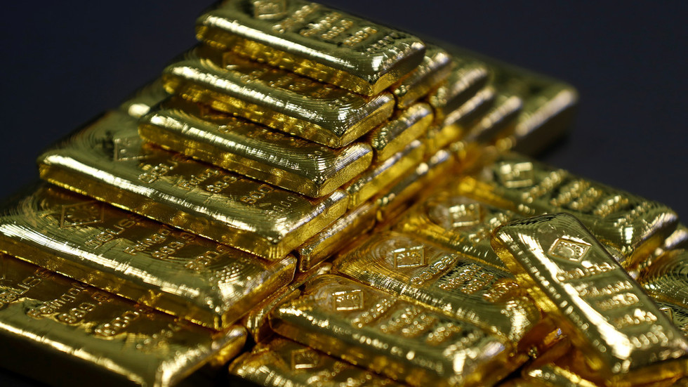 Russian Gold Reserves Top 100 Billion After Adding Another 600 000 Ounces To Its Vast Stockpile Rt Business News Gold Reserve Gold Money Gold Bullion Bars