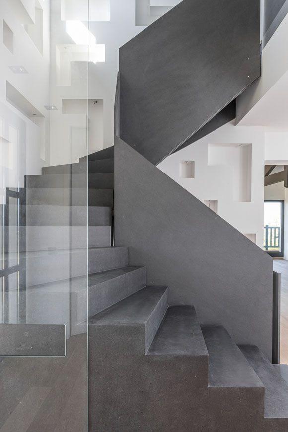 Projet finition escalier b ton cir escaliers for Escalier en beton cire