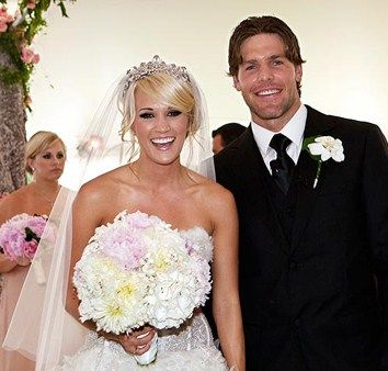 Celebrity Wedding Carrie Underwood Bouquet Uses Pale Pink White