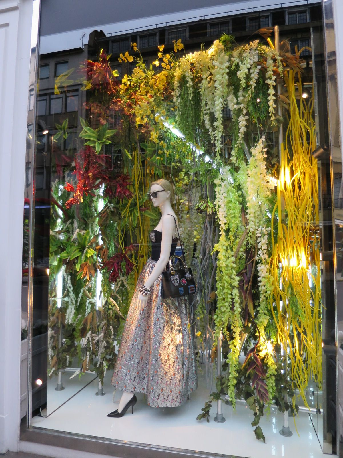 LK By Lincoln Keung: CHRISTIAN DIOR Window Display ...