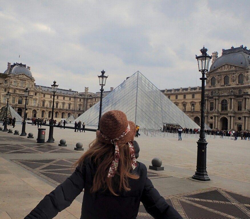 Paris Occupe Depuis Toujours Une Grande Place Dans Mon Coeur Et Le Louvre Fait Partie De Mes Endroits Preferes Dans La Capitale Mon Top Paris Louvre City