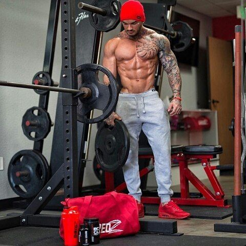 incredible aesthetic body featuring devinphysique