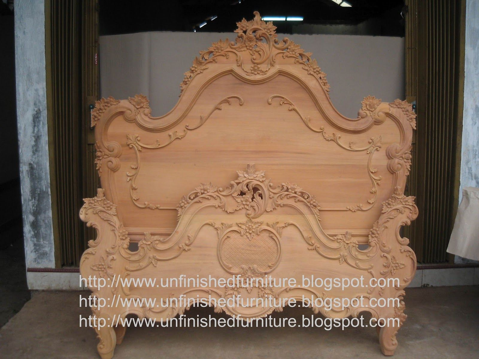 Unfinished Classic Furniture Heavy Carved French Mahogany Bed