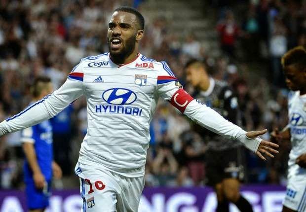 Agent Sbobet Online - Prediksi Lyon Vs Saint-Etienne 20 April 2015 - Stiker Olympique Lyon, Alexandre Lacazette melecut spirit tim untuk...
