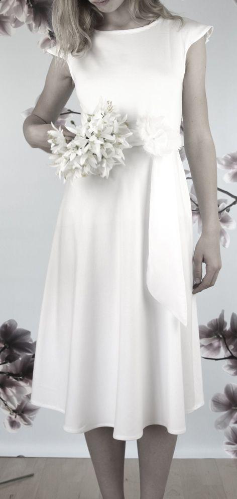 schlichtes Hochzeitskleid Anfertigung in München ...