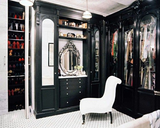 Fabulous Closets | Fabulous in black Closet Dressing Room