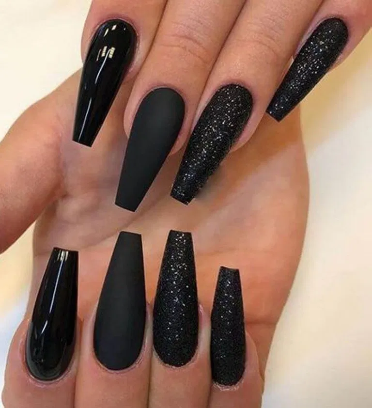 22 Best Matte Black Coffin Nail Ideas 11 In 2020 Long Black Nails Black Coffin Nails Black Nail Designs