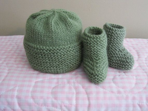 c3968bdc852 Baby hat and booties......hand knit newborn set by firstsnowflake ...