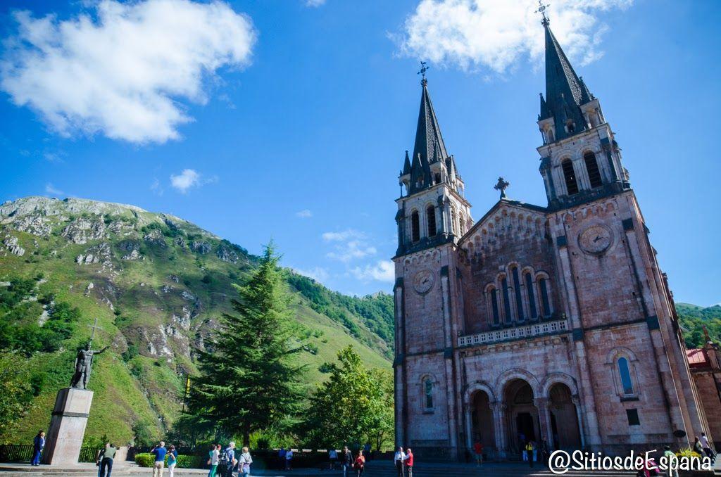 Santuario Y Lagos De Covadonga Picos De Europa Asturias Sitios De España Lagos De Covadonga Picos De Europa Asturias Picos De Europa