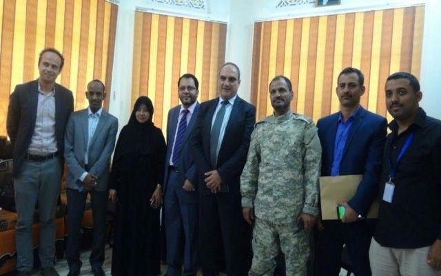 اخبار اليمن : شلال شايع يبحث سبل التنسيق والتأمين للبعثات ومنظمات الامم المتحدة بالعاصمة (عدن)