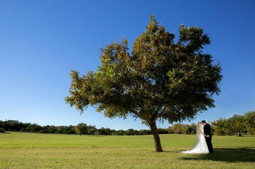 Flat Creek Winery.  www.ryangreenphotography.com Austin Wedding Photography - photos by Ryan & Lindsey Green