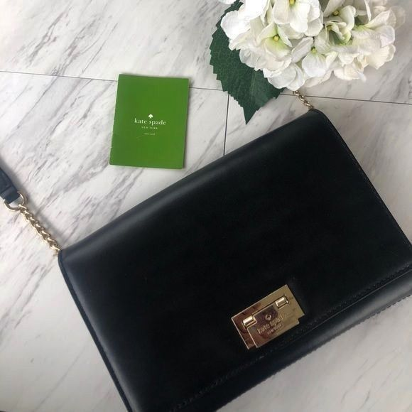 SPADE cross body purse Kate spare Leather Cross body Pretty condition S KATE SPADE cross body purse Kate spare Leather Cross body Pretty condition S KATE SPADE cross body...