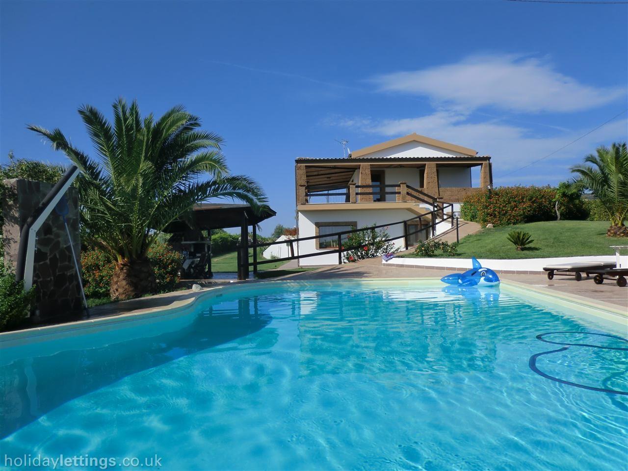 Sardinia 10 - 5 bedroom villa in Alghero to rent from £ ...