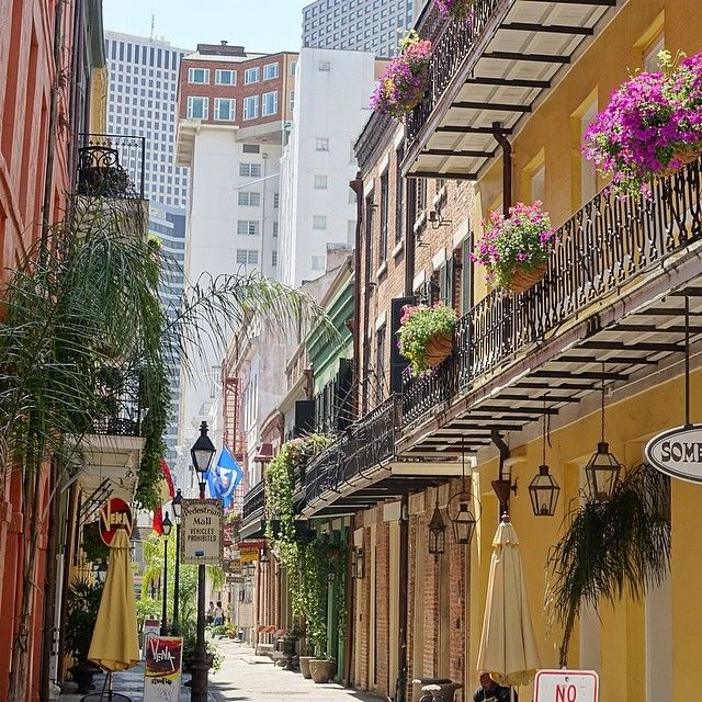The vibrant colors of our downtown neighborhood are perfect inspiration for Spring fashion!