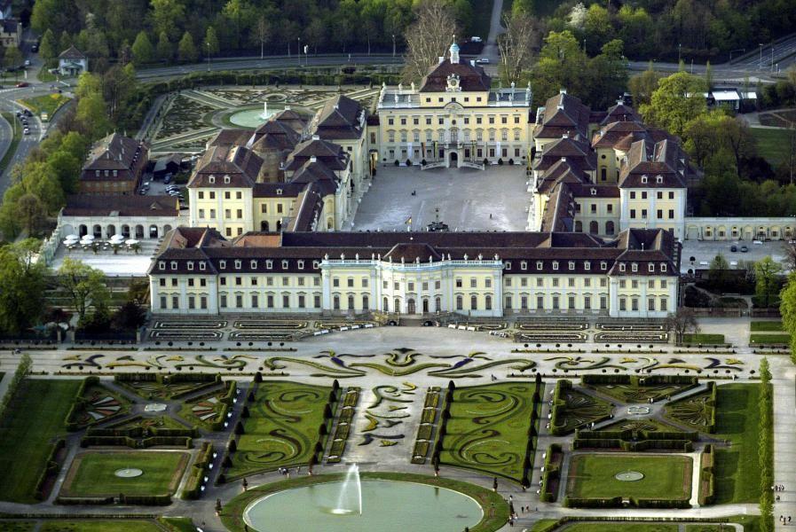 Schloss Ludwigsburg Simskultur Online Germany Castles Mansions Famous Castles