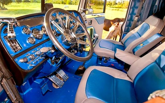 10 best custom big rig interiors semi truck interiors - Peterbilt 379 interior accessories ...