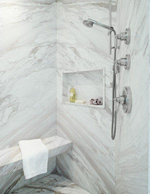 aktuelle Trends 2017 Badezimmerdesigns Marmorplatten Wand Boden - badezimmer lampen wand