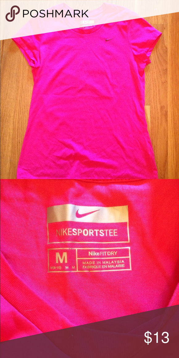 Nike FitDry short sleeve top Size medium- perfect Condition!! Nike Tops Tees - Short Sleeve