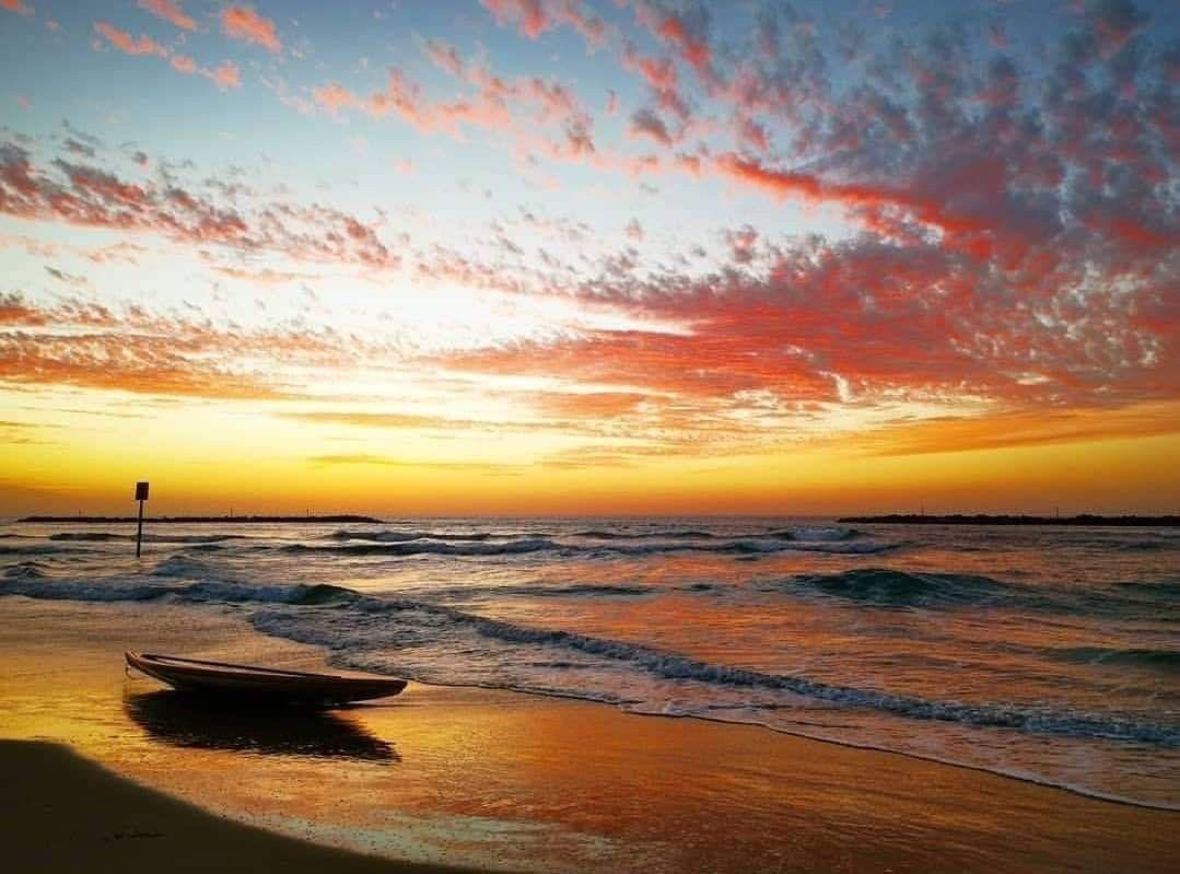صور شاطئ مدينة يافا المحتلة وقت الغروب Celestial Outdoor Sunset